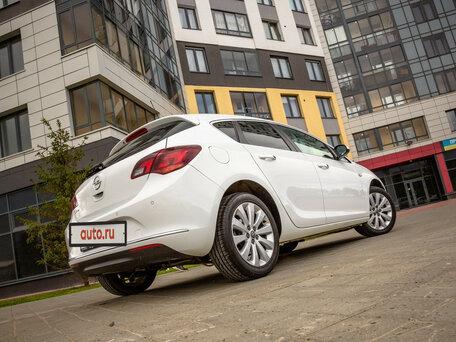 Купить Opel Astra пробег 32 000.00 км 2013 год выпуска