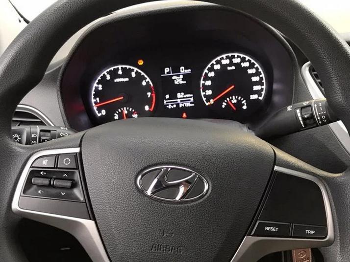 Hyundai | Solaris, I