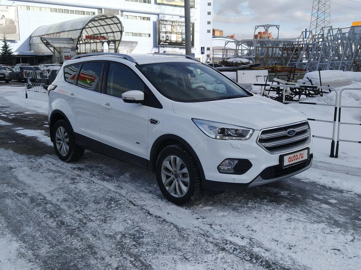 Смотрите, какая машина: Ford Kuga II Рестайлинг 2018 года за 1310000 рублей на Авто.ру!