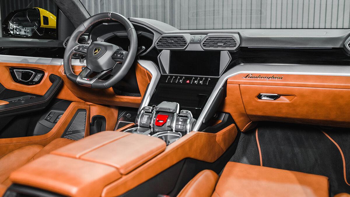 lamborghini urus interior back seat