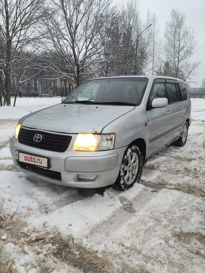 2003 Toyota Succeed  I, серебристый