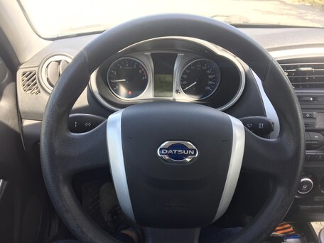 Купить Datsun on-DO пробег 75 300.00 км 2015 год выпуска