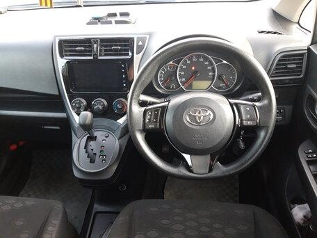Купить Toyota Ractis пробег 89 320.00 км 2014 год выпуска