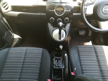 Купить Mazda Demio пробег 130 000.00 км 2009 год выпуска