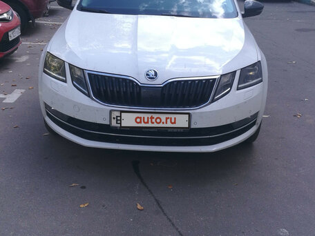 Шкода октавия с пробегом в москве в автосалонах деньги под залог машины курск
