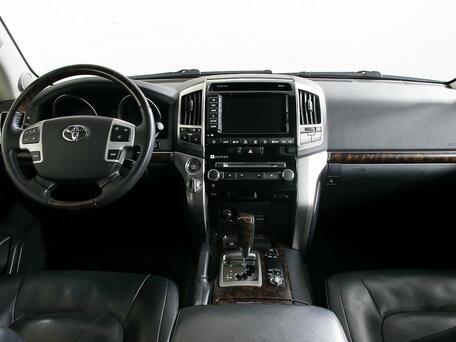 Купить Toyota Land Cruiser пробег 94 162.00 км 2014 год выпуска