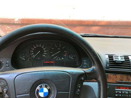 Купить BMW 5 серия пробег 211 500.00 км 2001 год выпуска