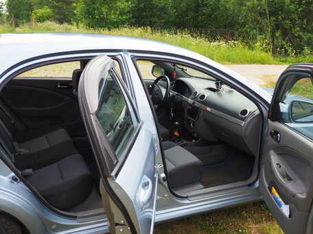 Купить Chevrolet Lacetti пробег 220 000.00 км 2010 год выпуска