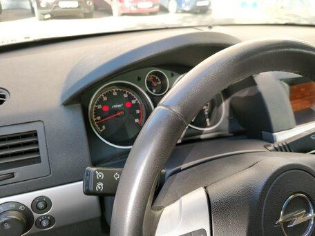 Купить Opel Astra пробег 107 000.00 км 2010 год выпуска