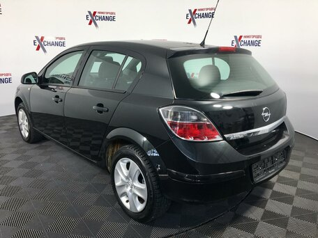 Купить Opel Astra пробег 105 627.00 км 2014 год выпуска