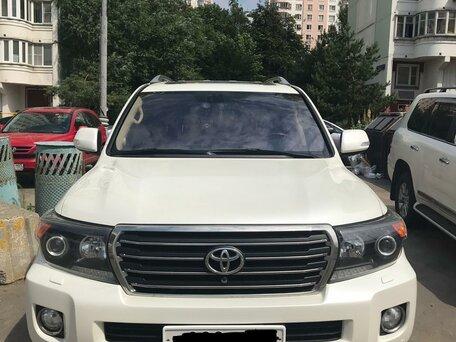 Купить Toyota Land Cruiser пробег 141 000.00 км 2014 год выпуска