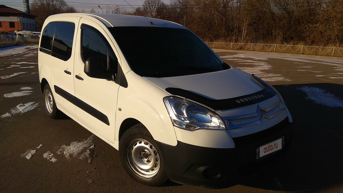 2010 Citroen Berlingo  II, белый - вид 3