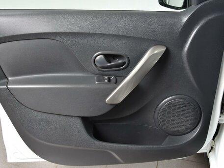 Купить Renault Sandero пробег 135 425.00 км 2015 год выпуска