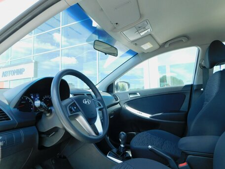 Купить Hyundai Solaris пробег 108 736.00 км 2015 год выпуска
