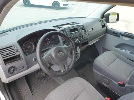 Купить Volkswagen Caravelle пробег 165 000.00 км 2013 год выпуска