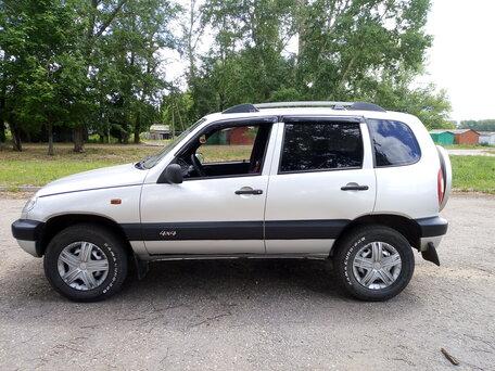 Купить Chevrolet Niva пробег 107 000.00 км 2007 год выпуска