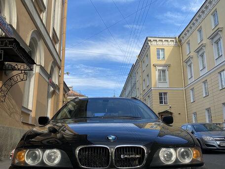 Автосалон москва бмв е39 аренда грузовых автомобилей с водителем в москве без залога