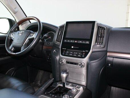 Купить Toyota Land Cruiser пробег 43 984.00 км 2016 год выпуска