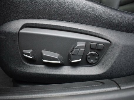 Купить BMW 7 серия пробег 127 606.00 км 2012 год выпуска