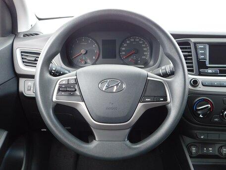 Купить Hyundai Solaris пробег 49 807.00 км 2017 год выпуска