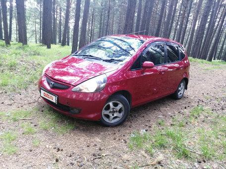 Купить Honda Fit пробег 184 000.00 км 2002 год выпуска