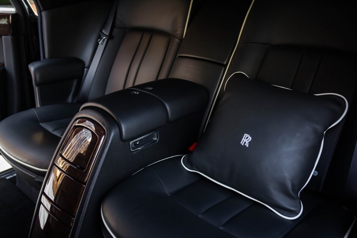 2014 Rolls-Royce Phantom Long VII Рестайлинг (Series II) Extended Wheelbase, чёрный, 22500000 рублей - вид 17