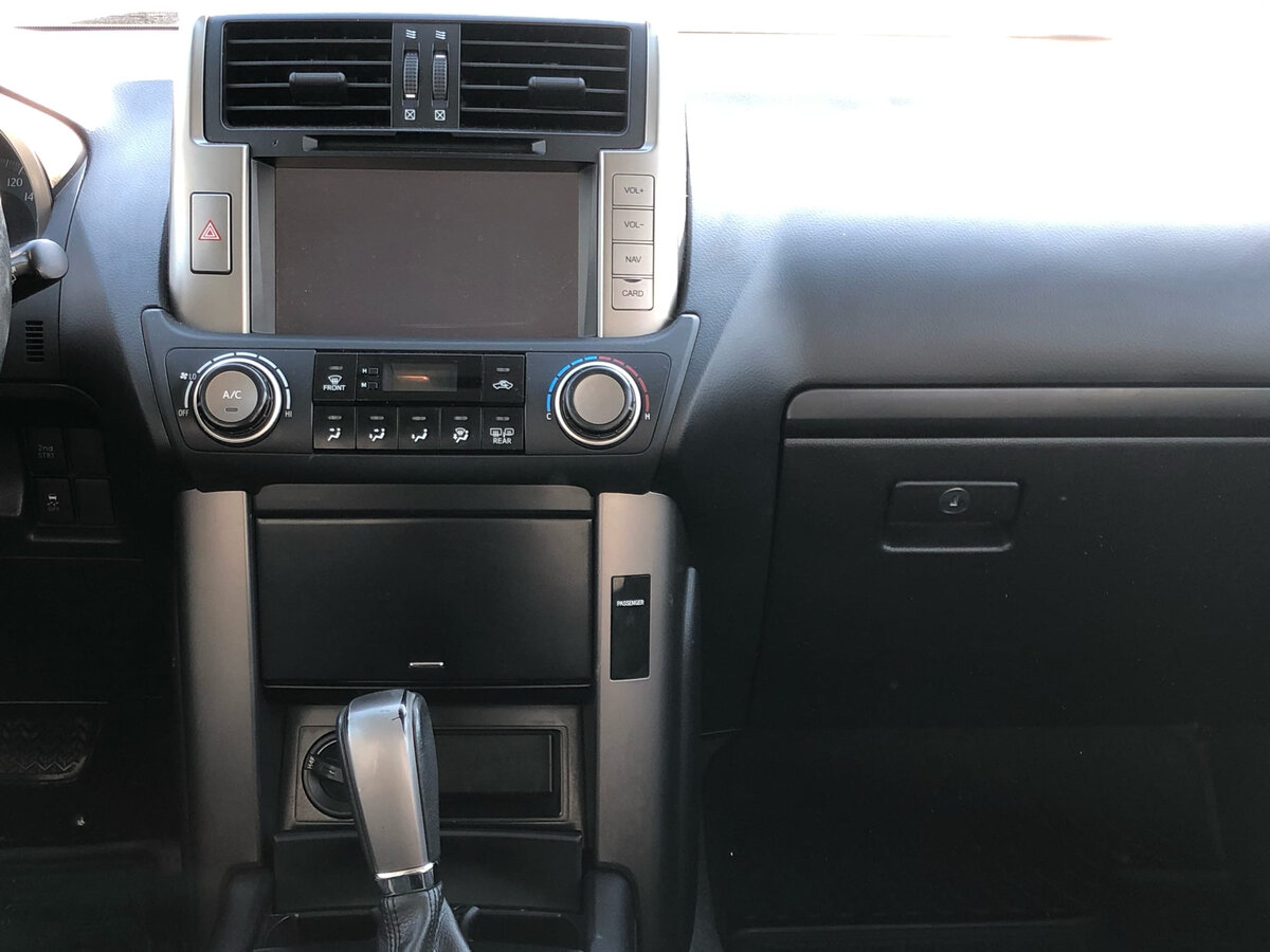 2013 Toyota Land Cruiser Prado  150 Series, серебристый - вид 9