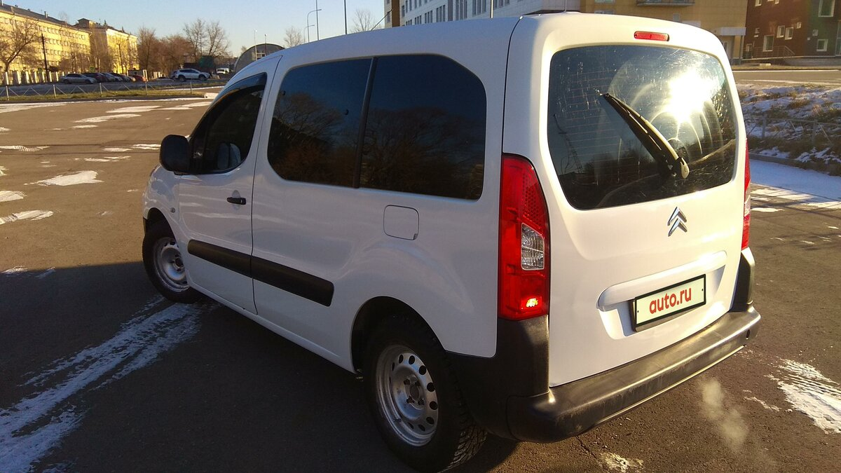 2010 Citroen Berlingo  II, белый - вид 1