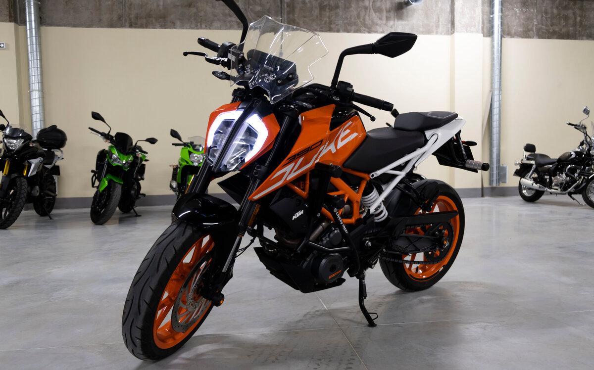 Купить б/у KTM 390 Duke инжектор 6 передач в Москве: белый