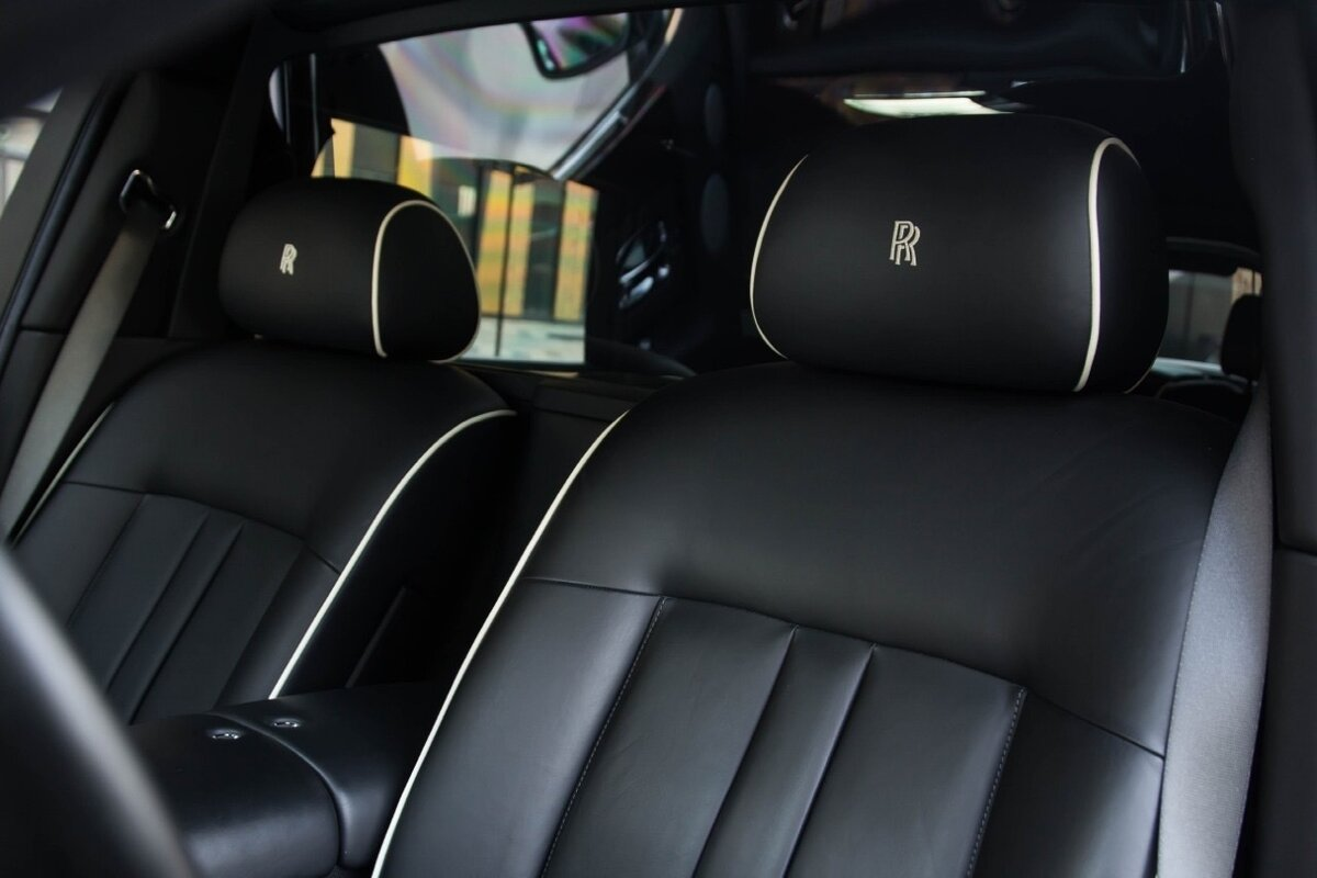2014 Rolls-Royce Phantom Long VII Рестайлинг (Series II) Extended Wheelbase, чёрный, 22500000 рублей - вид 16