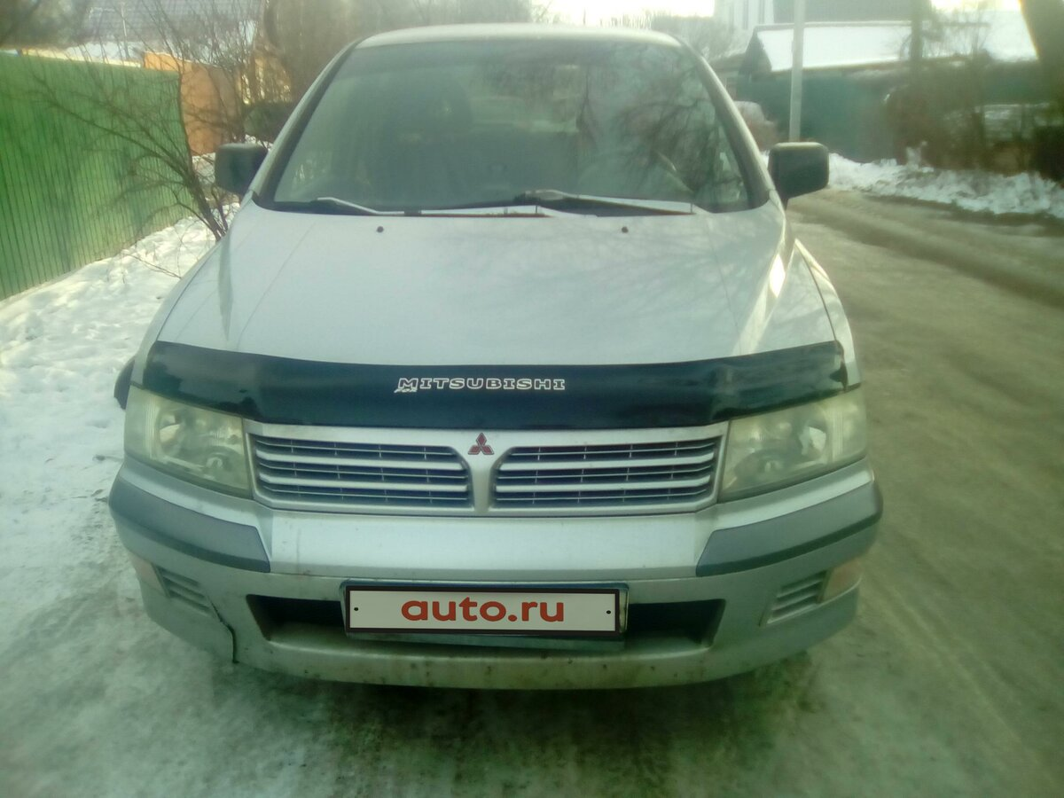 2003 Mitsubishi Space Wagon  III, серебристый