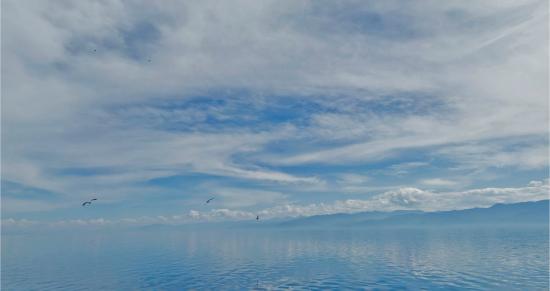 Берега Байкала, вид с катера