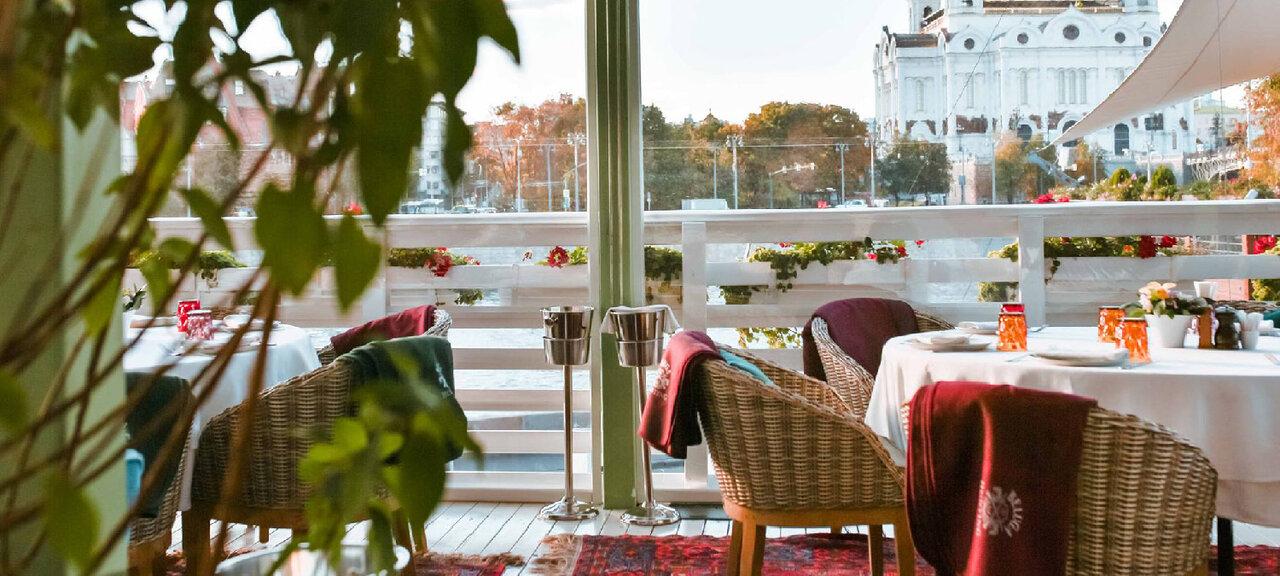 «Рестораны случшими видами наМоскву» фото материала