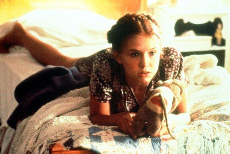 Видио фильм одинокая девушка занялась сзксом фото 752-501
