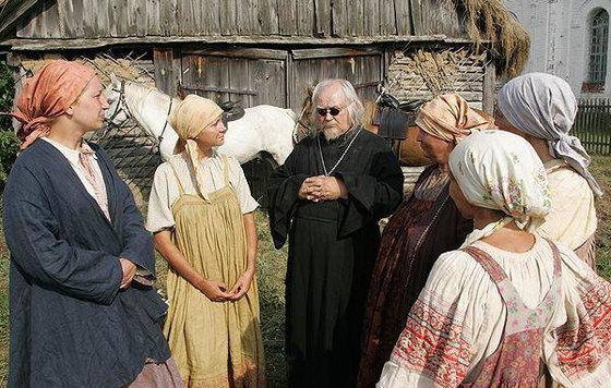 Обычная деревенская первая брачная ночь на сеновале по русски пеорно