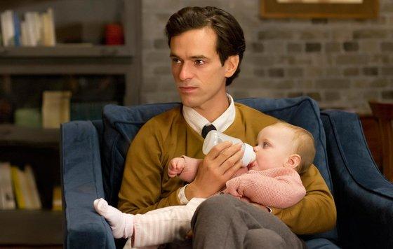 Парнуха отец трахает свою маленькуюдочь
