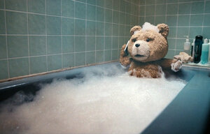 Малолетка отсасывает плюшевому медведю Тедди