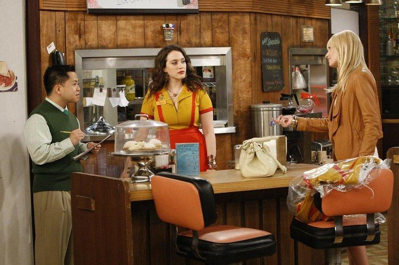 «Смотреть Две Девицы На Мели 5 Сезон Paramount Comedy» — 2000