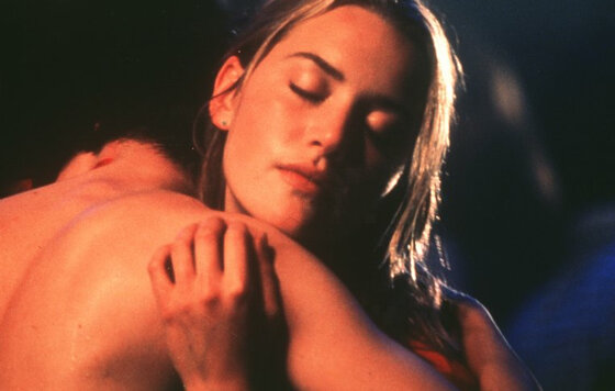Обнаженная Кейт Уинслет – Священный Дым (1999)
