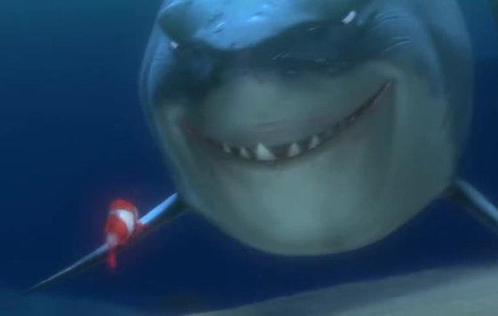 смешные гифки с акулами