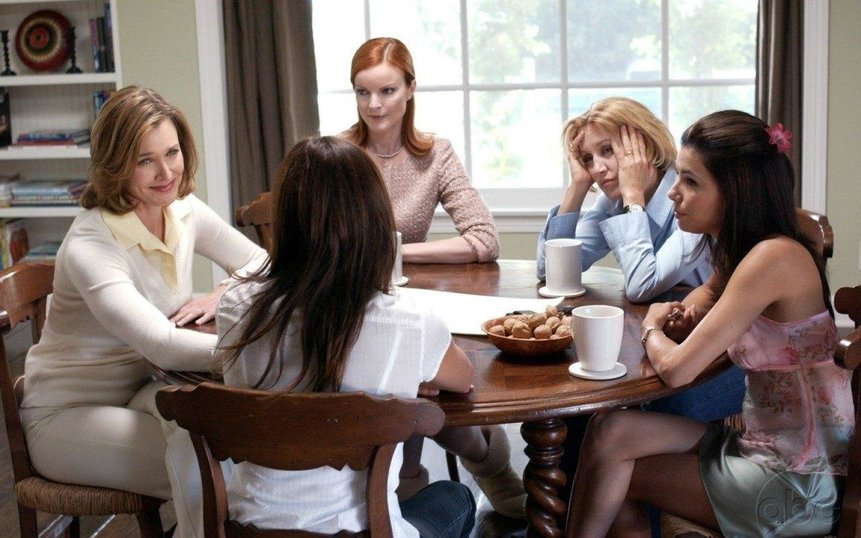 Отчаянные домохозяйки – эротические сцены