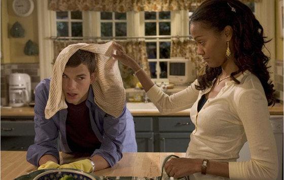 Негритянская мать совратила своего белого сына