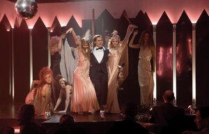 Фильм сказки стриптиз клуба смотреть москва ночной клуб парк авеню диско