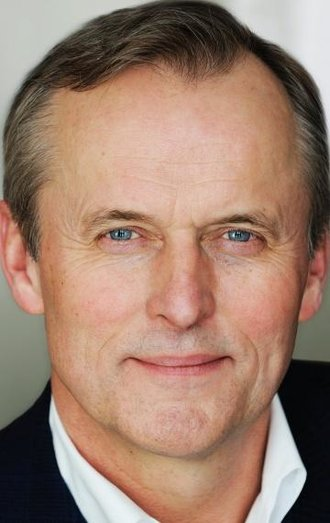 a biography of the early life and literary carer of john grisham