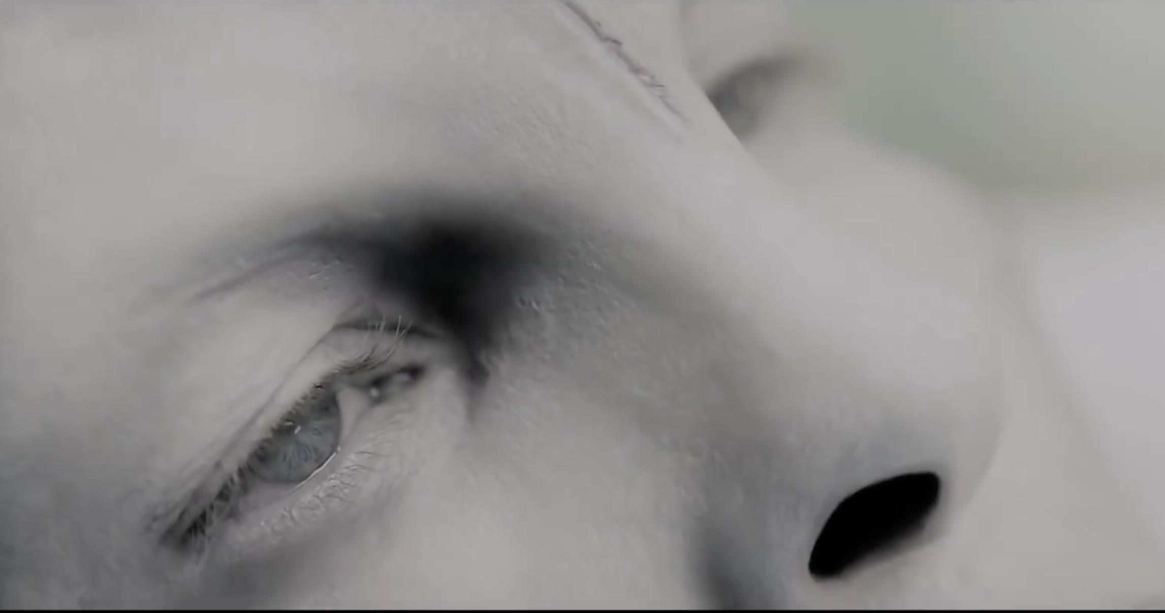 Трейлер фильма «Титан»: Сэм Уортингтон мутирует в сверхчеловека