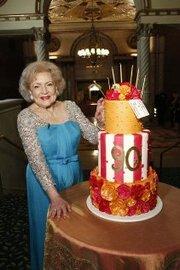 Празднование 90-летия Бетти Уайт: Дань уважения 'золотой девушке' Америки (2012)