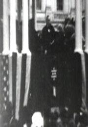 Президент МакКинли принимает присягу