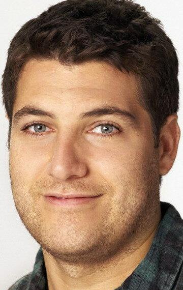 Адам Палли