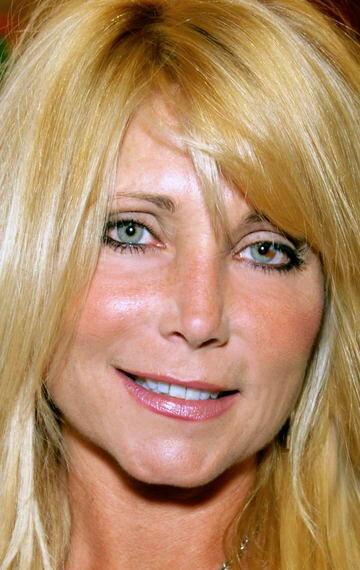 Pamela Blond Nude Photos 81