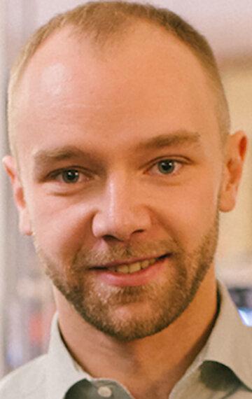Дмитрий Карначик